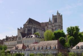 hotel-cerise-ville-cathedrale-saint-etienne.jpg