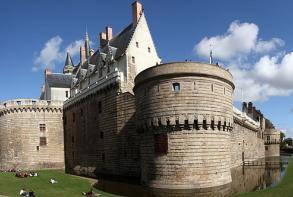 residence-cerise-nantes-la-beaujoire-chateau-duc-de-bretagne.jpg