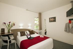 hotel-cerise-nancy-chambre-confort-double-RF (3).jpg