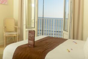 hotel-cerise-le-grand-hotel-de-la-plage-royan-chambre-double-vue-mer (21).jpg