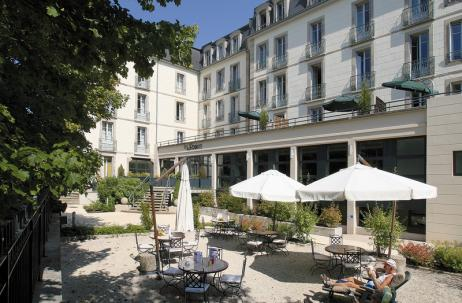 1residence-cerise-les-sources-luxeuil-les-bains-facade-et-exterieurs (3).jpg