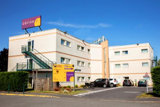 1-hotel-cerise-lens-noyelles-godault-facade-et-exterieurs-RF (10).jpg