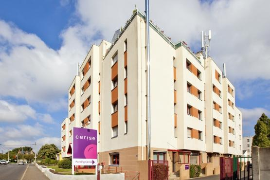 1residence-cerise-nantes-la-beaujoire-façade-et-exterieurs (6).jpg