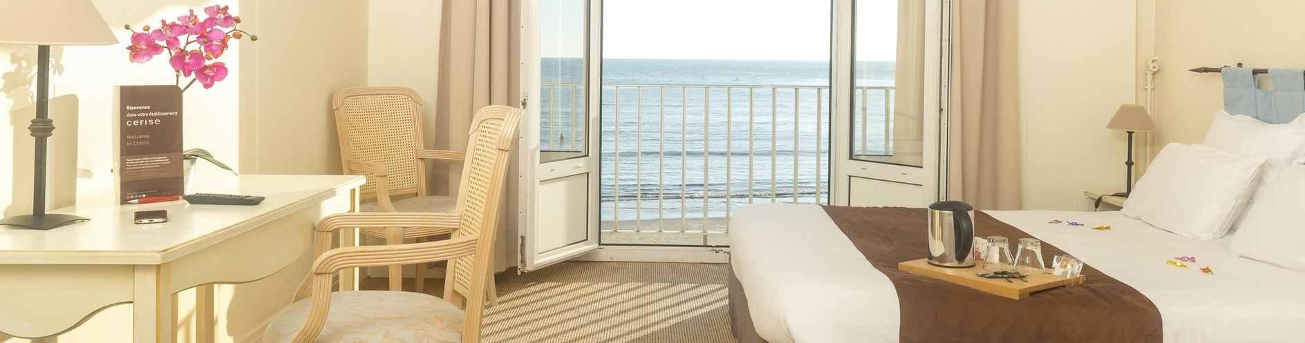 hotel-cerise-royan-le-grand-hotel-de-la-plage-chambre-double-vue-mer-2.jpg