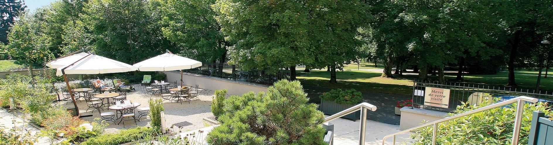 cerise-luxeuil-les-sources-hotel-residence-terrasse-jardinl.jpg