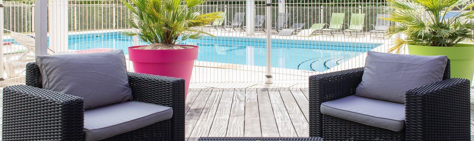 residence-cerise-dax-les-jardins-du-lac-piscine.jpg
